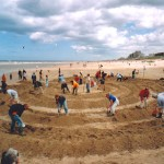 Digging beach labyrinth, Noordwijk 2004